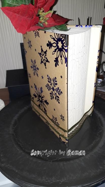 Hardcover weihnachtlich bearbeitet; mit Buchecken