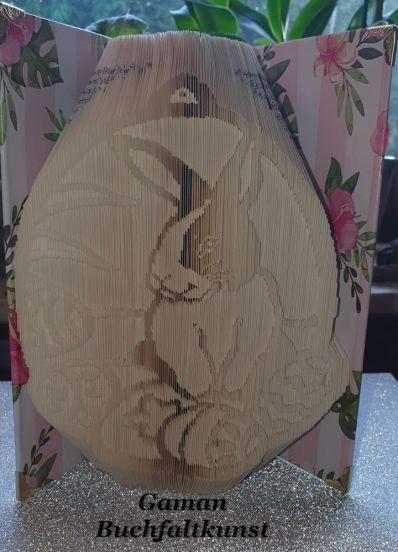 Osterhäschen im Ei ~ 316 Seiten Hardcoverbuch ~ außen 45° und innen 180° Faltung ~ Cover neu im Blütenstyle bezogen und mit Buchecken stabilisiert.